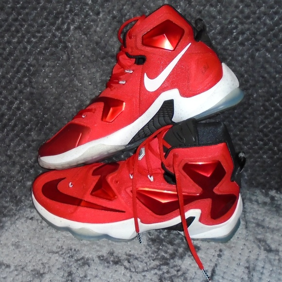 9bf9b07af02a Nike LeBron James XIII Mens Basketball Red   Black.  M 5c57b510f63eea1297337bbf